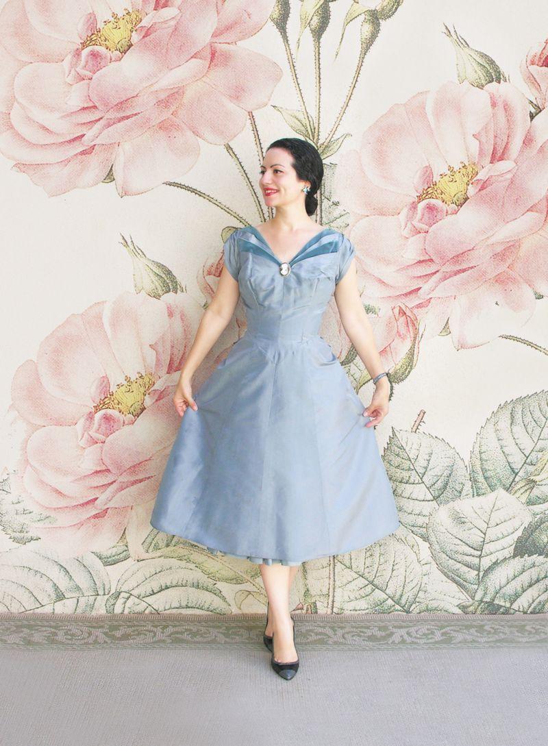 Blue dress con fondo