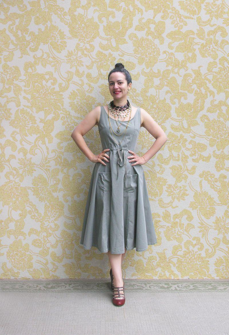 Olive dress con fondo