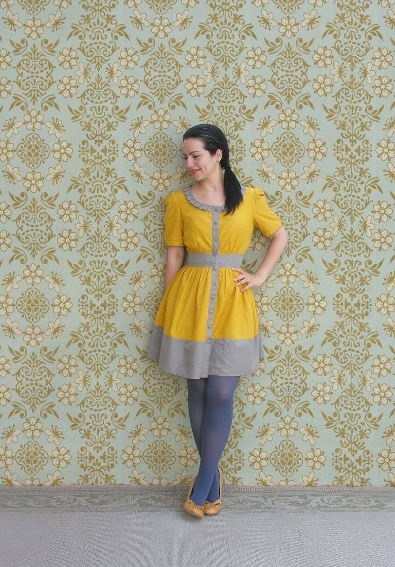 Yellow dress and tights