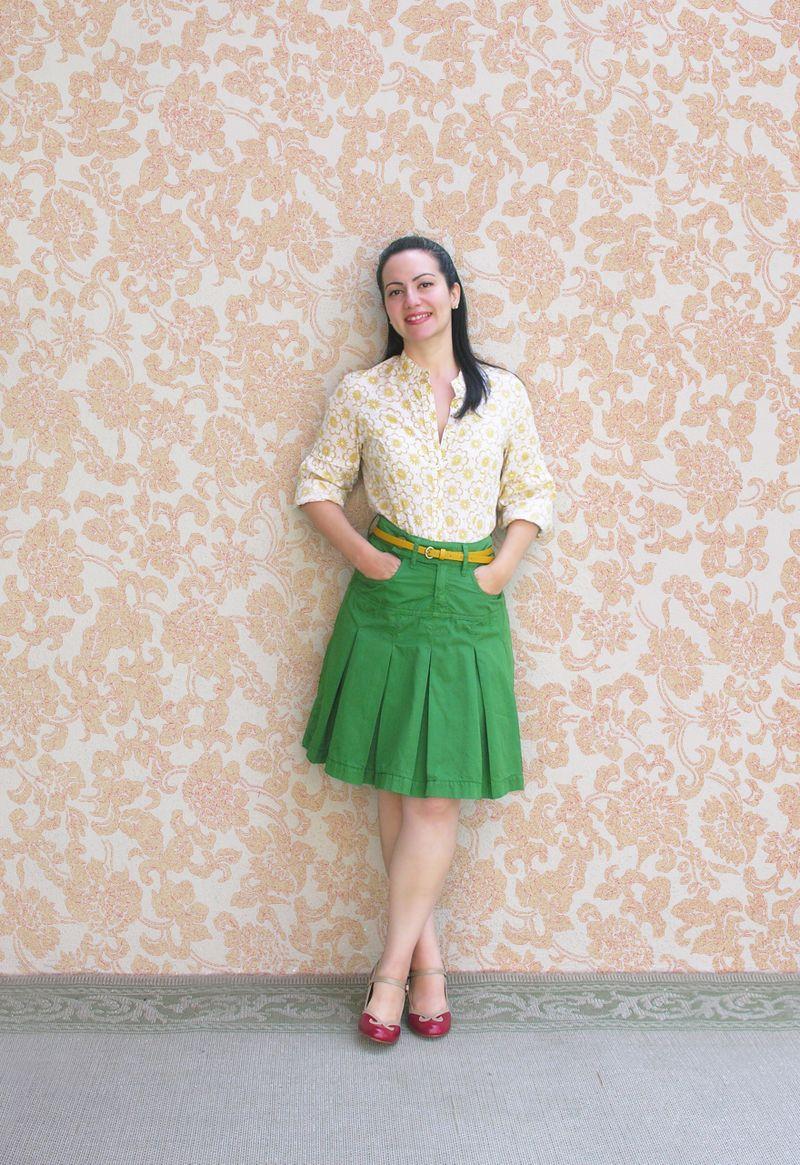 Green skirt con fondo