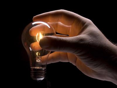 Light-Bulb-Idea-Hand