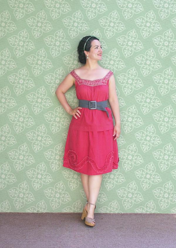Coral red dress con green fondo small