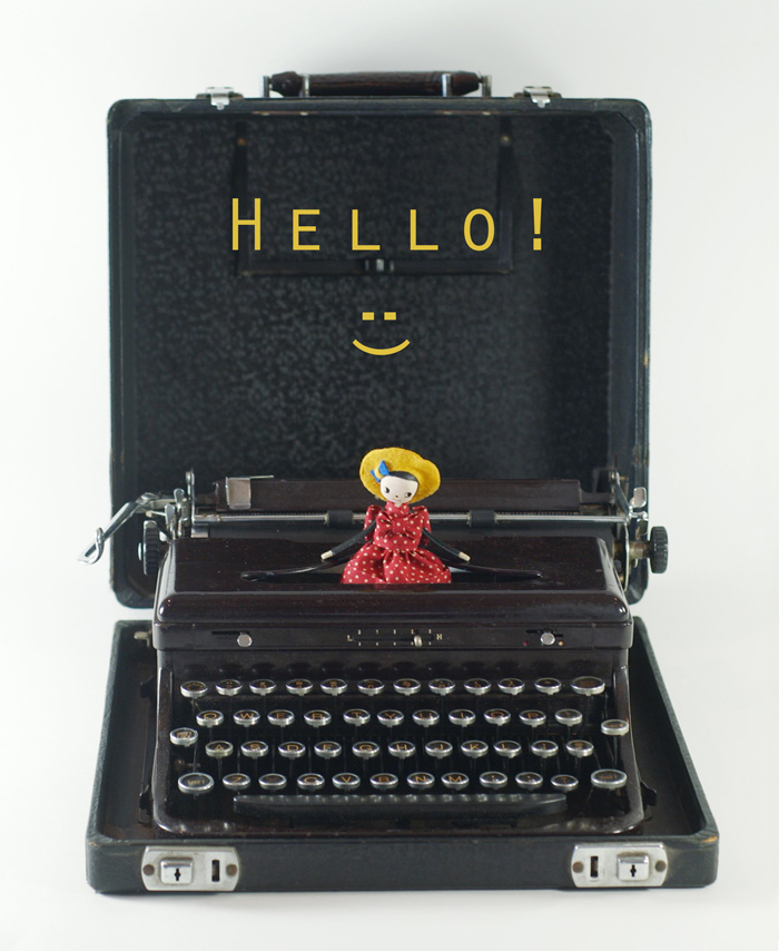 Typewriter machine SMALL